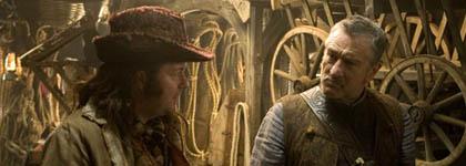 Ricky Gervais aan de zijde van Robert De Niro in Stardust