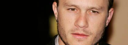 De dood van de 28-jarige acteur Heath Ledger houdt mogelijk verband met een overdosis drugs of pillen.