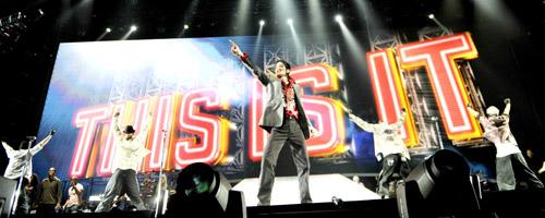 Met de concertreeks 'This Is It' wou Michael Jackson zijn fans nog een laatste keer op spektakel trakteren.