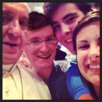 De paus poseert met Stefaan Declercq